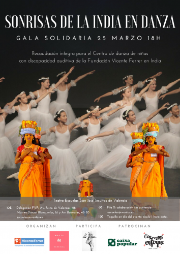 SONRISAS DE INDIA EN DANZA